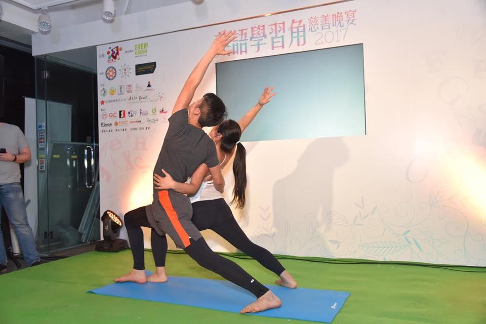 2017年11月 –腦之家雙人瑜伽表演