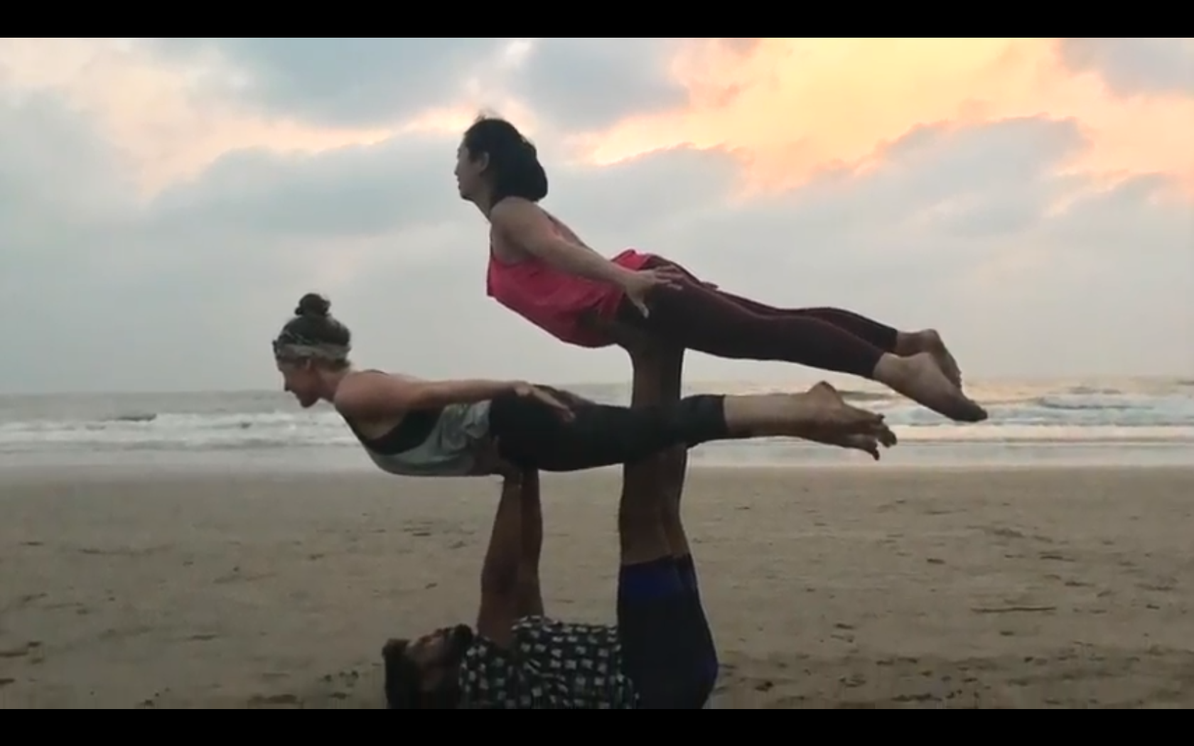 YouTube:【情侶瑜伽】印度之旅『下』